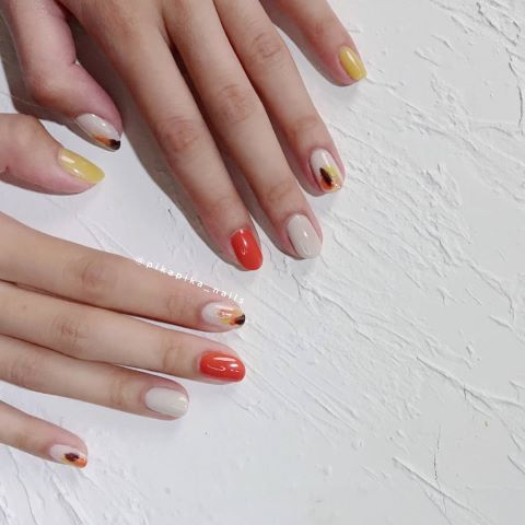 For first time customers, Pikapika offers a discount. Pikapika is one of the best salons for getting your nails done in Causeway Bay.