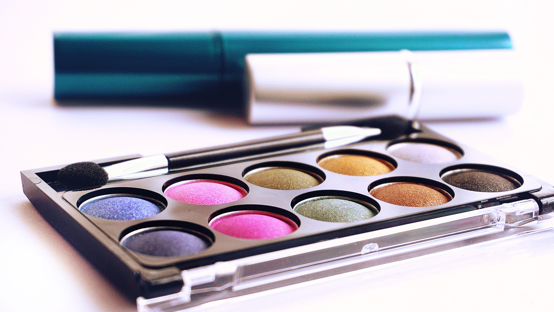 makeup-min cheap in Hong Kong