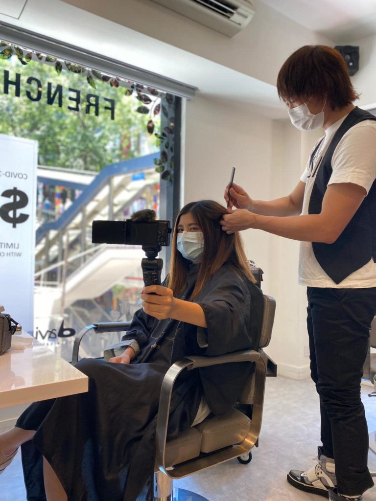 French83 is an affordable hairdresser in Hong Kong. It's a really welcoming environment offer delicious coffee too.