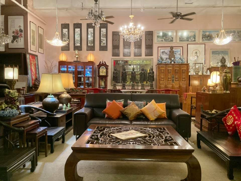 2nd Chance Hong Kong tends to sell high quality second hand furniture from brands such as Tequila Kola, Indigo, and Tree. Prices are a fraction of what you would expect to pay for brand new items,