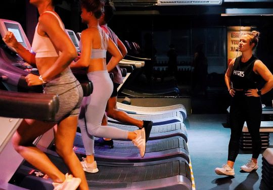Hit45 focuses on high-intensity workouts. You will spend half the class doing treadmill sprints. You will sweat. Hit45 offers discounted classes for new members.